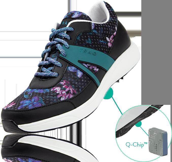スマートウォーキングシューズは、靴底に埋め込まれたチップによって歩数や歩行距離、消費カロリーを正確に計測します。