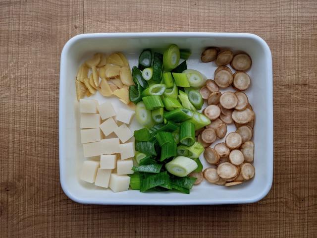 サムゲタン風スープ薬味写真