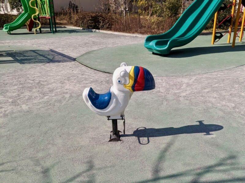 公園鳥モチーフ遊具